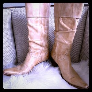 Old Gringo tan leather boots